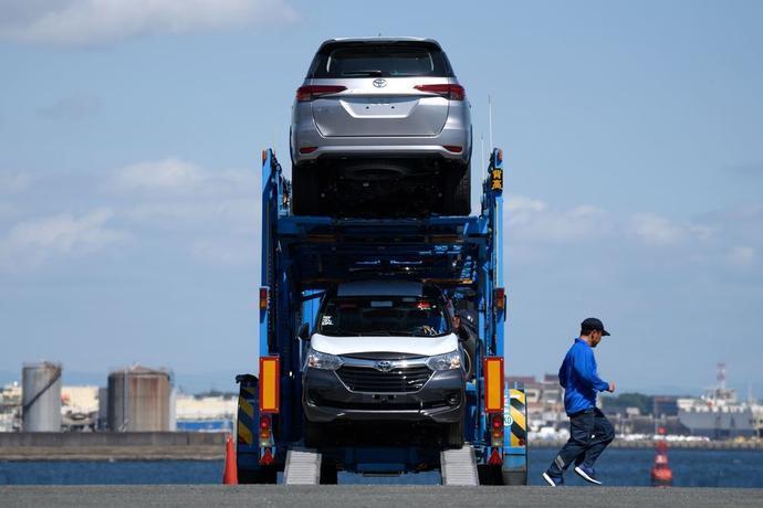 丰田汽车到达名古屋港口