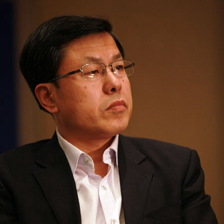 赵福全,清华大学汽车产业与技术战略研究院院长、世界汽车工程师学会联合会(FISITA)主席