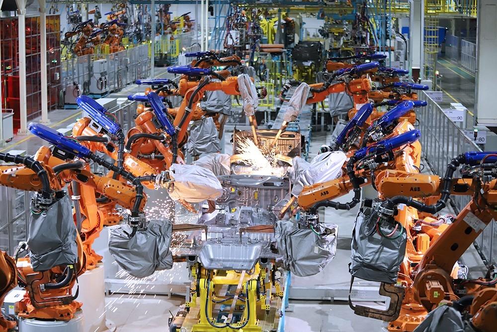 海马小鹏智能工厂焊装车间
