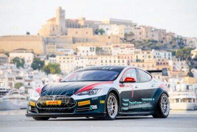 电动 GT 系列赛获 FIA 批准,想不想看 20 辆特斯拉赛道刷圈?