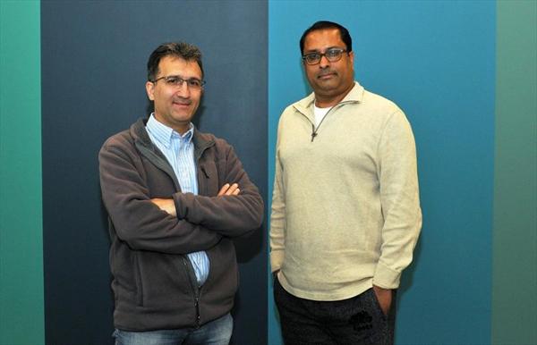 左一:Motion Gestures CTO阿拉什·阿布格哈?(Arash Abghari),右一:Motion Gestures CEO卡什夫·汗(Kashif Kahn)
