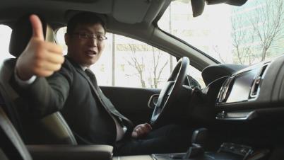 华龙讯达市场管理部行业总监姚顺体验东风雪铁龙C6