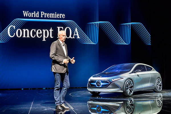 07-戴姆勒股份公司董事会成员、负责大中华区业务的唐仕凯先生梅赛德斯-奔驰EQA概念车.jpg