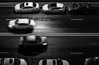 碰撞与鲜血:人类与自动驾驶的坎坷摩擦