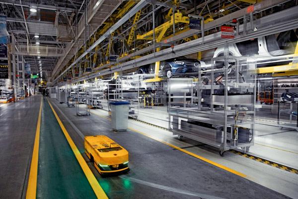 北京奔驰高柔性化总装生产线