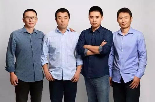 左起:沈亚楠、李铁、李想、马东辉