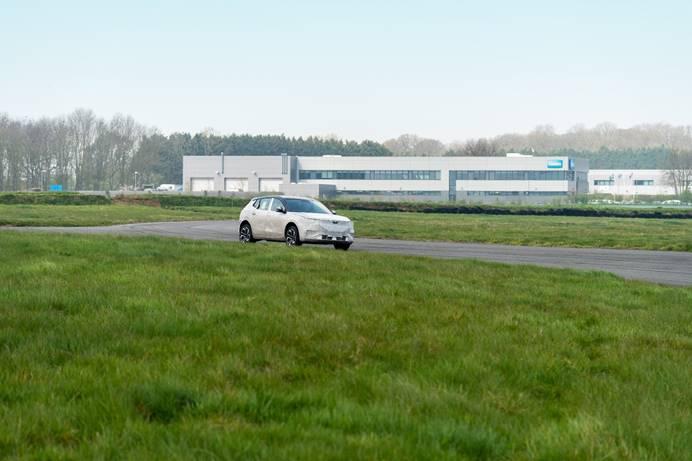 天际ME7分别进行操稳性能与舒适性能的测试及底盘调校