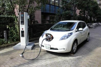 瑞银:未来制造电动汽车会像组装手机一样容易