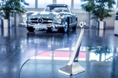 梅賽德斯-奔馳為300 SL Coupe提供3D打印部件
