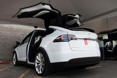 你可能不知道,特斯拉将Model X的高性能充电器选项隐藏了