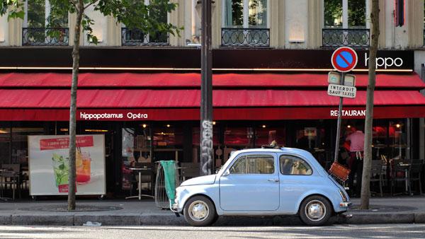 巴黎的街边咖啡馆