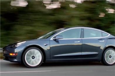 特斯拉第10万辆Model 3量产车已下线