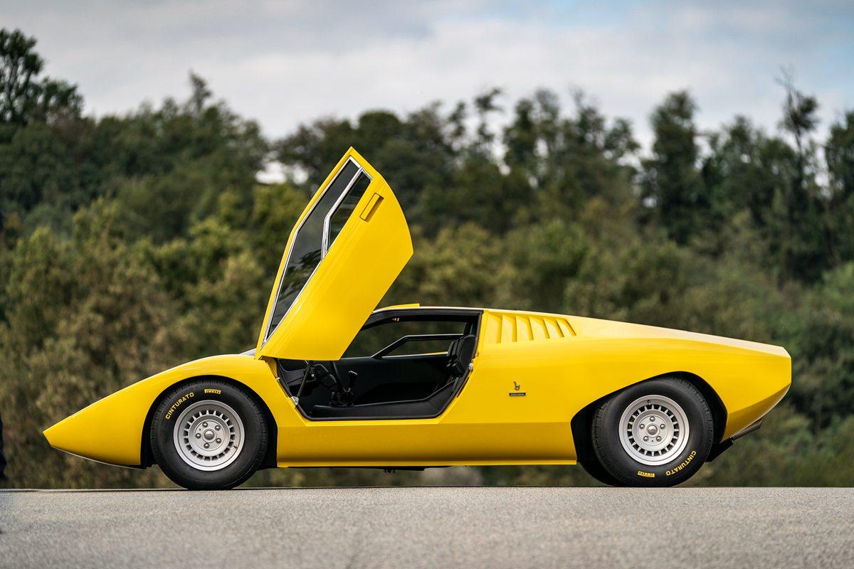 首款兰博基尼Countach LP 500重塑版 由兰博基尼Polo Storico经典车修复中心历时25,000小时打造而成
