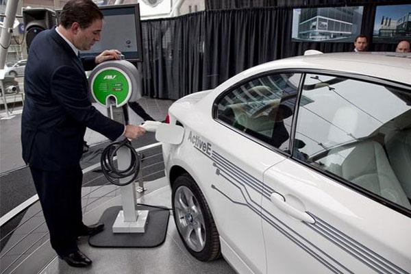 宝马称明年电动车销量目标10万