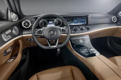奔驰新E级信息娱乐系统功能曝光,车主可双拇指操控