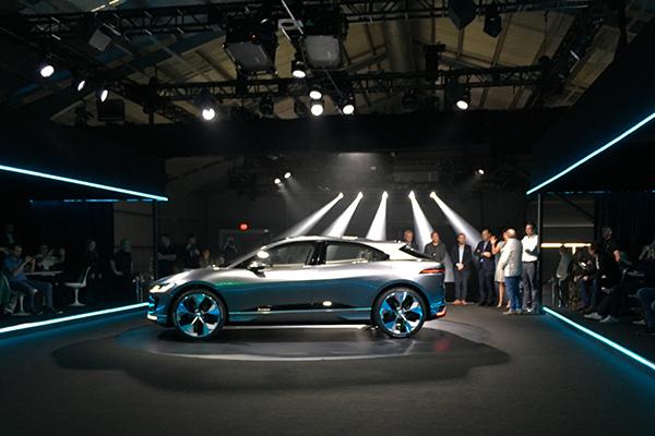 发布会现场全球唯一一辆的捷豹I-PACE纯电动SUV概念车