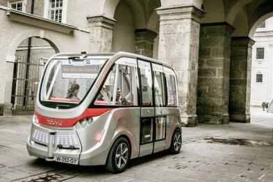 最快明年,你可以坐着无人驾驶摆渡车逛迪士尼了