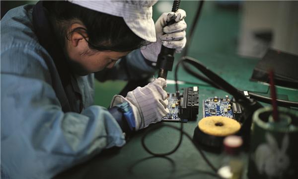易鼎丰的控制单元是国内电动汽车亟需的。