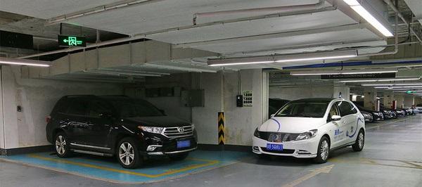 充电停车位被汽油车占据