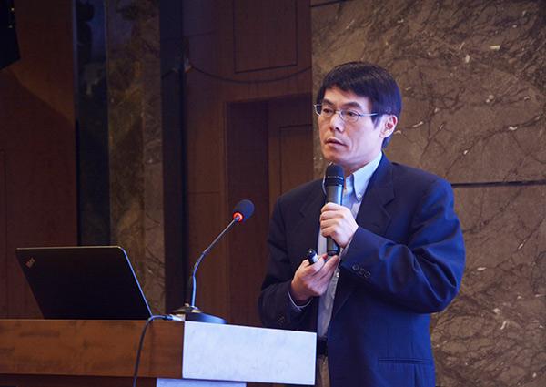 清华大学教授周青