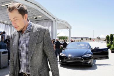 """如果说新能源行业是一场""""死亡游戏"""",怎么Tesla越活越来劲?"""