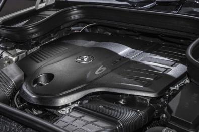 梅赛德斯-奔驰:短期内仍将继续生产发动机