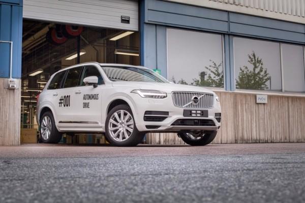 沃尔沃第一辆用于Drive Me的XC90,未来会与Uber共同研发自动驾驶基础车型