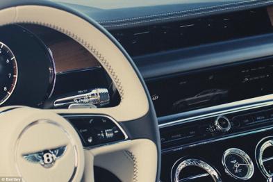宾利发布新款欧陆GT,首创三向旋转仪表盘