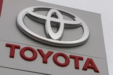 丰田推出发动机自动关闭和自动停车功能