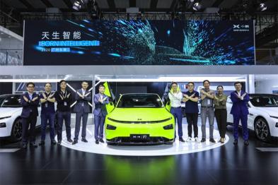 小鹏P7鹏翼版起售价36.69万元,下一代自动驾驶软硬件将大幅升级
