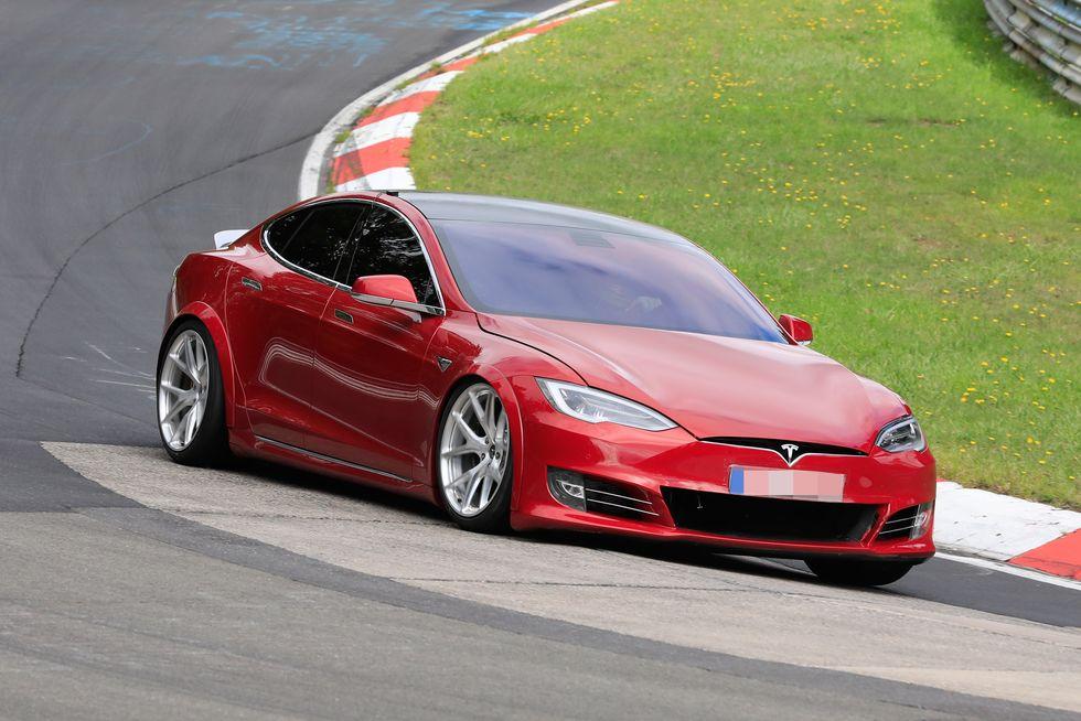 特斯拉Model S速度碾压保时捷Taycan?