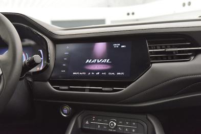 """科技测丨""""AI智能网联 SUV""""PK智能音箱:一场突如其来的跨界对比"""