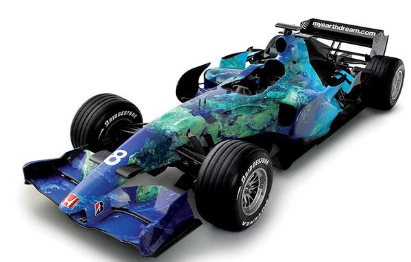 当年本田的F1赛车,其最大亮点就是通身没有广告