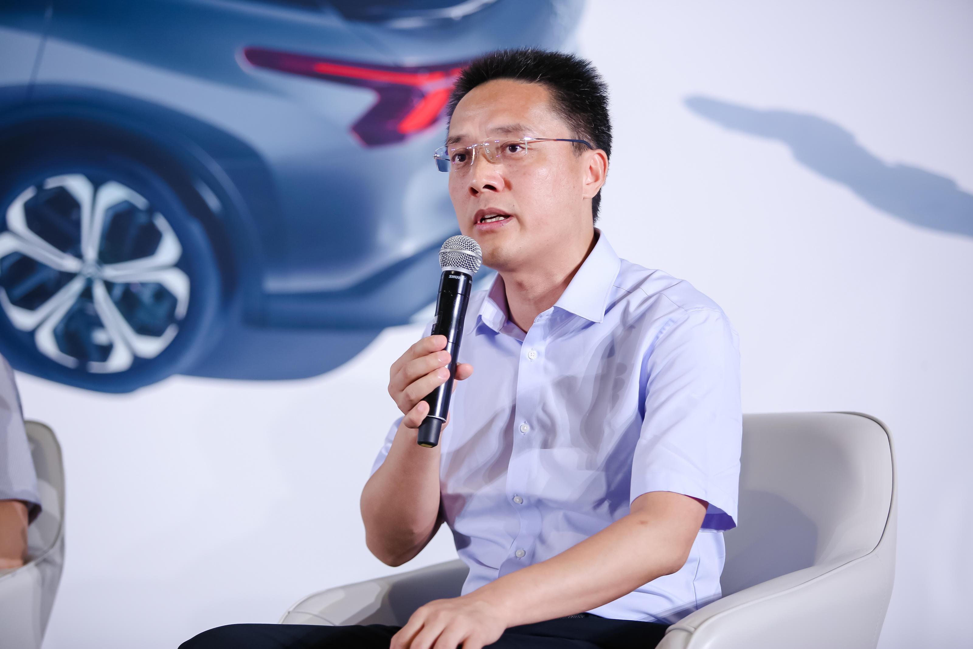神龙公司总经理、党委书记陈彬