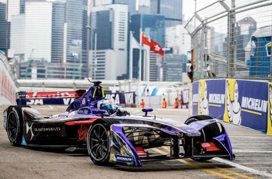 飙车:无线充电的玩具赛车 VS Formula E