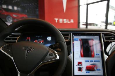 险棋制胜?特斯拉未来新车将标配无人驾驶系统硬件