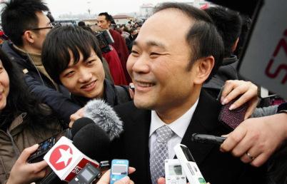 """李书福两会提案与李彦宏""""撞车"""":加快自动驾驶立法"""