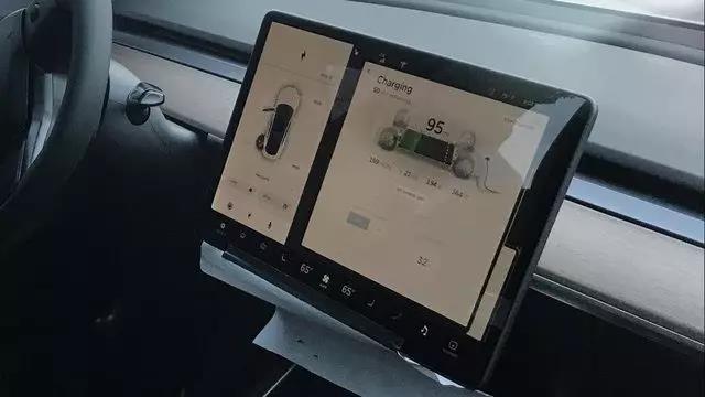 首批特斯拉Model 3即将交车,马斯克的大招儿终于亮相了!