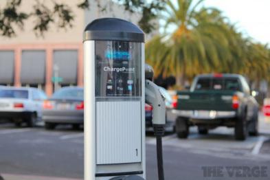 传苹果与电动车充电站洽谈兼容与测试