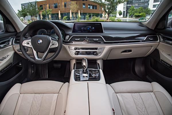 BMW-740Le-xDrive-iPerformance-075.jpg
