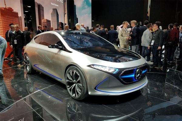 全新电动概念车EQ-A