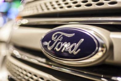 股价创新低,福特六年来首次跌破9美元