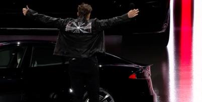 Model S Plaid交付:每一届特斯拉都不可能当舔狗