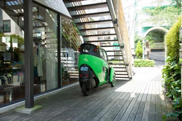 丰田正在东京地区测试i-Road三轮电动车