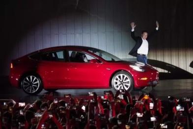 十句话了解特斯拉Model 3全球首发
