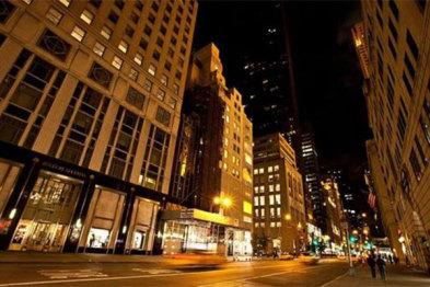 历史性转变!纽约曼哈顿充电站数量超加油站