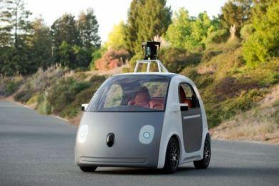 谷歌正式发布无人驾驶汽车原型,双门两座采用仿生学设计
