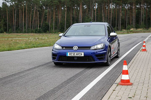 大众开发出了一套能够教你赛车的自动驾驶系统