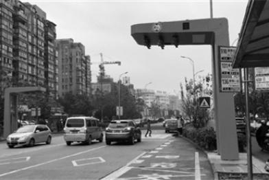 全球首条电容储能式电车公交充电桩亮相鄞州