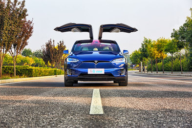试驾:从Model X看特斯拉的颠覆精神